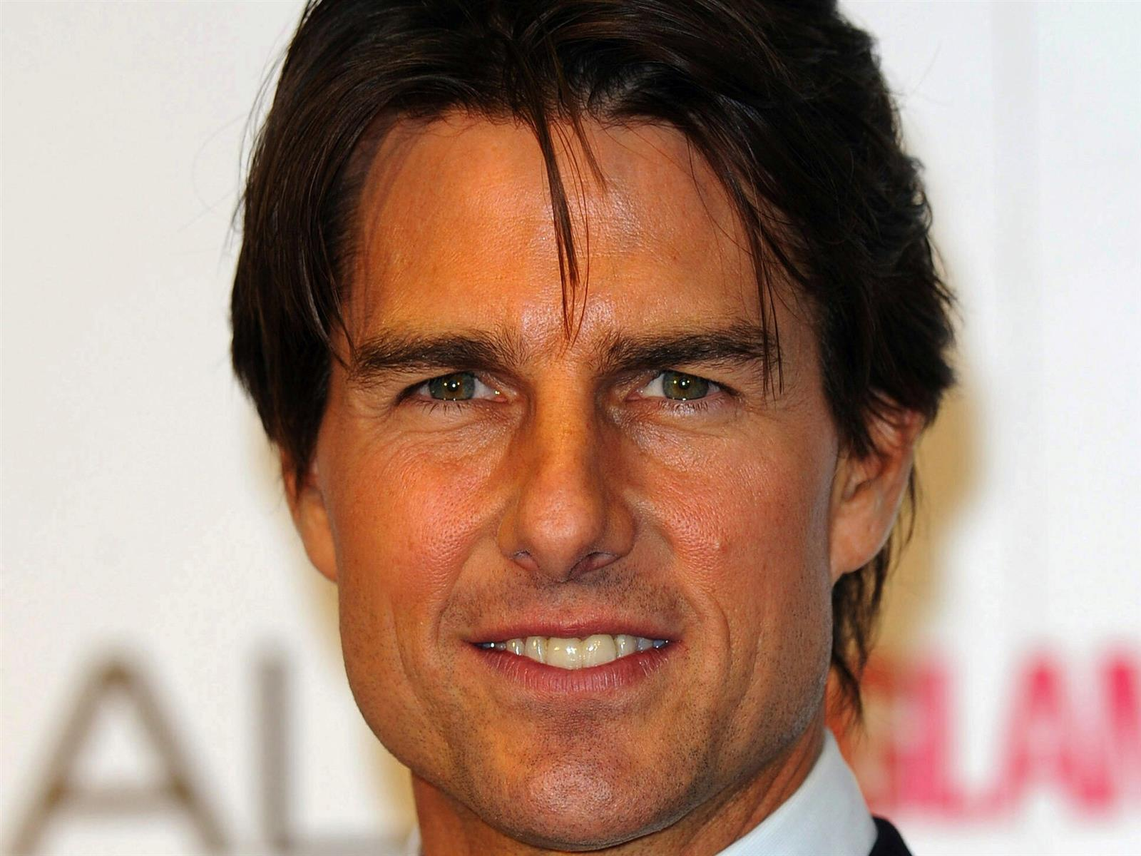 Tom Cruise HD image photo background for mobile